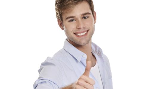 男士眼部保养方法 如何去除眼袋 如何去除黑眼圈