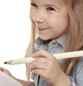 左撇子是否更聪明 左撇子孩子更聪明吗 左撇子宝宝要纠正吗