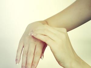 肘关节脱位的分型 肘关节脱位如何检查 肘关节脱位有哪些分型