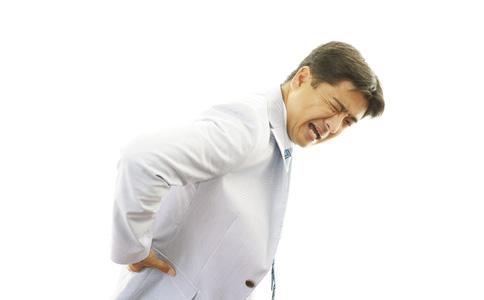哪些动作会伤腰 影响腰部健康的动作 如何保护腰
