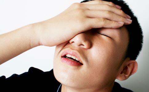 牙周炎有什么症状 牙周炎如何预防 牙周炎吃什么好