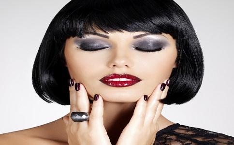 烟熏妆化妆技巧 烟熏妆层次感 如何打造烟熏妆