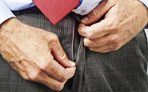 小便尿不尽是什么原因造成的 前列腺炎怎么治疗 前列腺炎有哪些症状