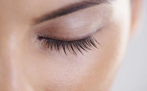 长睫毛的秘诀 如何养长睫毛 优雅眼妆的步骤