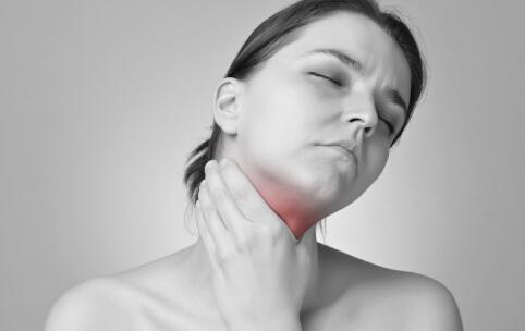 如何缓解嗓子疼 怎么缓解嗓子疼 缓解嗓子疼的方法
