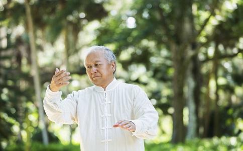 老人如何照顧自己老人得了支氣管炎怎麼辦老人護理支氣管炎的方法