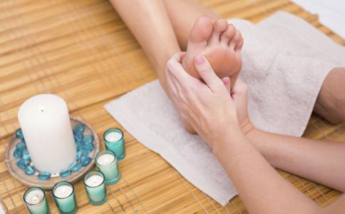 足部按摩能治療早洩嗎 男性早洩怎麼治療 如何緩解男性早洩