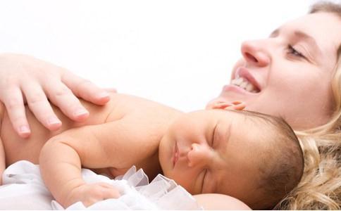 护理早产儿 早产儿的护理与喂养 早产儿护理注意事项