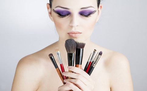 美妆如何画出小脸效果 画小脸的技巧有哪些 如何画好小脸妆