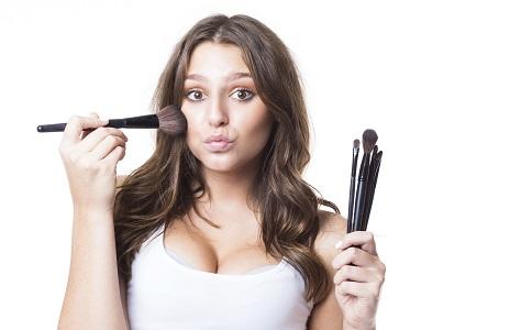 如何画好唇妆 小心机妆容步骤 如何画好腮红