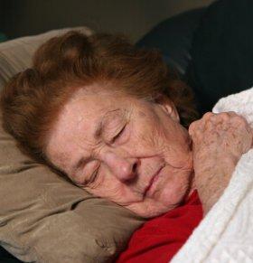 戏骨王羽中风入院 老人常见的八个中风前兆