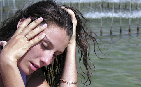 女性生气的危害 生气引起月经不调 女性生气有什么危害