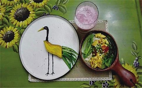 妈妈为女儿做童话餐 为女儿做童话餐 孩子早餐怎么吃才营养