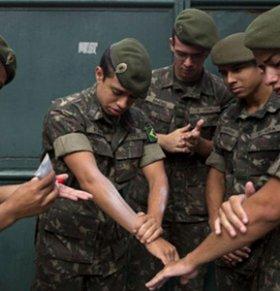 拉美寨卡病毒扩散 巴西20万大军参与防疫行动