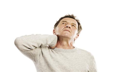 治疗落枕的最有效方法 治疗落枕最有效方法 落枕了什么方法最有效