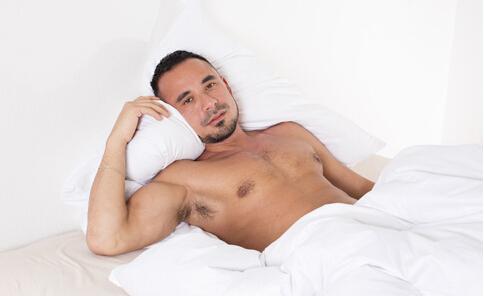 裸睡男易感染阴虱 裸睡男易感染阴虱原因 裸睡男感染阴虱原因