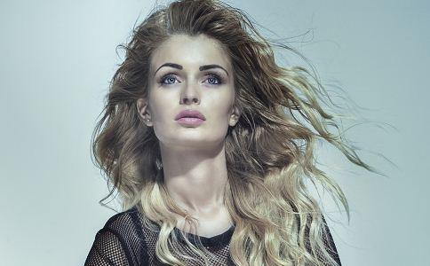 美发器的挑选 美发器的使用 卷发的步骤