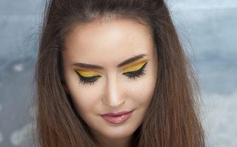圆脸的女性发型 适合圆脸的发型 什么样的发型适合圆脸女性