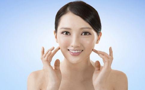 薄荷精油的功效 薄荷精油有哪些美肤功效 精油的美肤功效