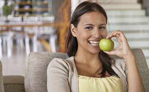 孕前要做哪些准备 孕前要补充叶酸吗 女性孕前要做口腔检查吗