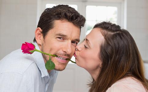 盘点男人沉迷婚外恋的六大原因男人婚外恋的原因 男人出轨怎么办 男人出轨的表现