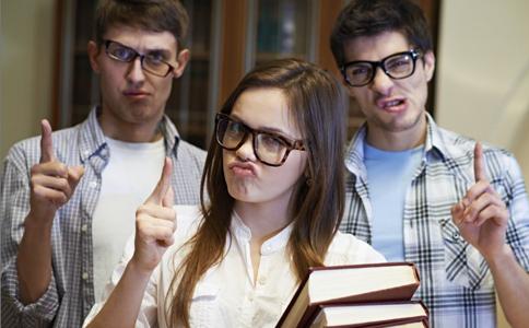 青少年易出现的心理问题 青少年易出现哪些心理问题 如何应对青少年的心理问题