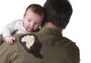 宝宝吐奶怎么办 如何预防好