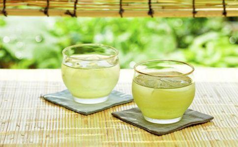 茶水护肤功效 茶水怎么美容护肤 茶水的作用