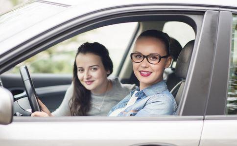清明节驾车需警惕的问题有哪些 清明节驾车要注意什么 男人开车有什么陋习