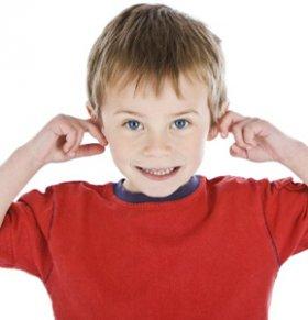 自闭症怎么治疗 自闭症症状有哪些 自闭症治疗方法