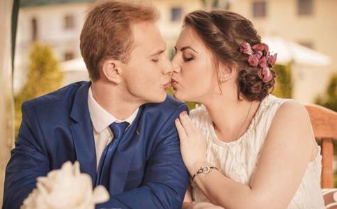 接吻会传染性病吗 接吻会传染疾病吗 哪些疾病会通过接吻传播