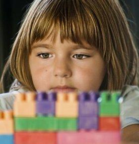 玩玩具的好处 孩子玩玩具不归位 宝宝多大玩玩具