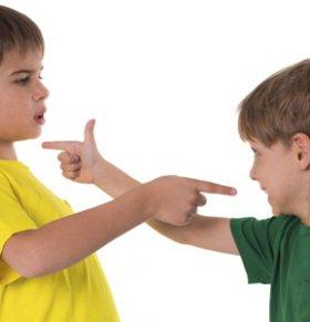 儿童自闭症怎么治疗 自闭症治疗方法 儿童自闭症康复训练