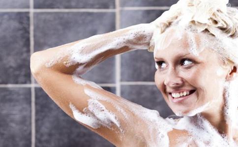 什么时候洗澡最好 洗澡的正确顺序 什么时候不能洗澡