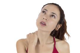 颈椎病引起手麻 颈椎病手麻 颈椎病导致手按摩