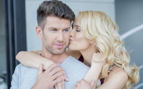陰莖異常勃起有什麼癥狀 陰莖異常勃起怎麼治療 陰莖異常勃起怎麼調理