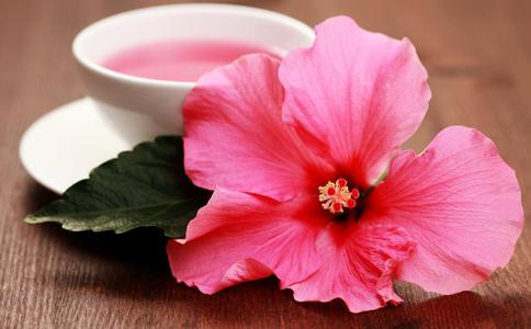 经期吃什么预防妇科病 经期能喝花茶吗 女人喝花茶的好处