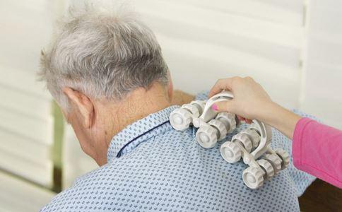 颈椎病怎么办 哪些人容易得颈椎病 颈椎病如何治疗