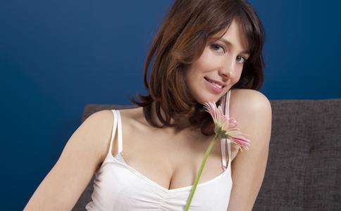 乳房胀痛怎么办 乳房胀痛的治疗方法 乳房胀痛的原因