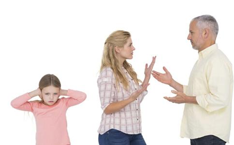 如何正确引导单亲家庭的小孩心理 单亲家庭的小孩怎么健康成长 如何正确引导小儿心理问题