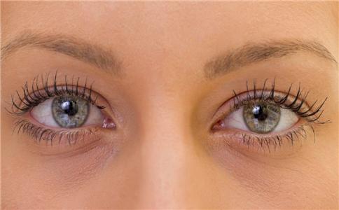 睫毛膏的错误方法 使用睫毛膏的错误方法 使用睫毛膏错误方法