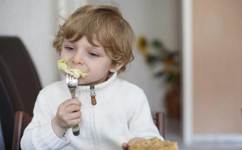 儿童补钙误区有哪些 补钙注意事项有哪些 宝宝补钙存在哪些误区