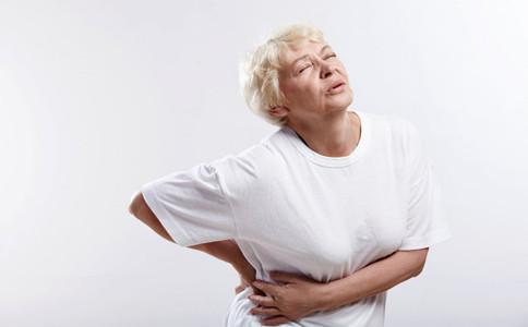 老年人腰疼的原因 老年人腰疼怎么治�� 老年人腰疼怎么�k
