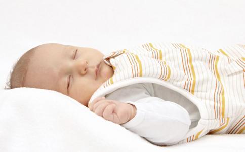 睡觉磨牙是什么原因怎么解决 孩子晚上睡觉磨牙是怎么回事 睡觉磨牙是怎么办