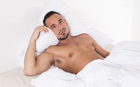 夏天男人爱好裸睡 小心疾病找上门