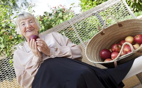 老人夏季应该预防哪些皮肤病 夏季预防皮肤病 老人夏季皮肤病