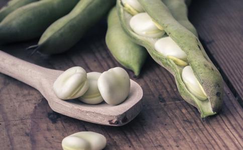 便秘怎么办 吃蚕豆能缓解便秘吗 吃什么缓解便秘