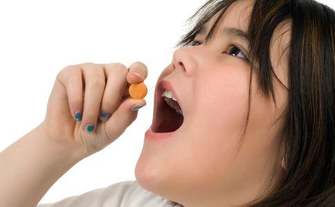 女性经期能吃减肥药吗 减肥药的副作用有哪些 减肥药都有哪些副作用