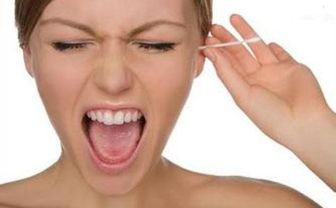 掏耳朵时需注意哪些 掏耳朵时有哪些禁忌 清理耳朵的方法