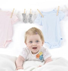 宝宝衣服上的果汁怎么洗掉 宝宝衣服上的污渍怎么处理 宝宝衣服上的西瓜汁怎么清洗